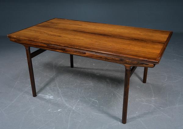 Johannes-Andersen-Rosewood-extension-dining-table-04.jpg