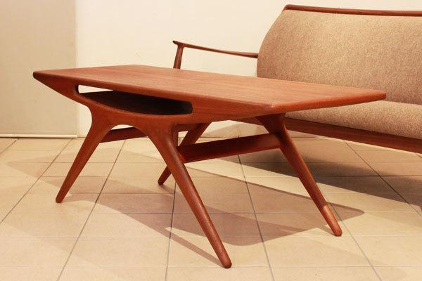 Johannes-Andersen-UFO-table-01.jpg