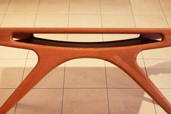 Johannes-Andersen-UFO-table-02.jpg