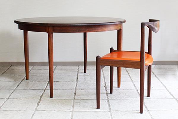 Niels O. Møller  Circular dining table rosewood  J.L. Møller (2).jpg