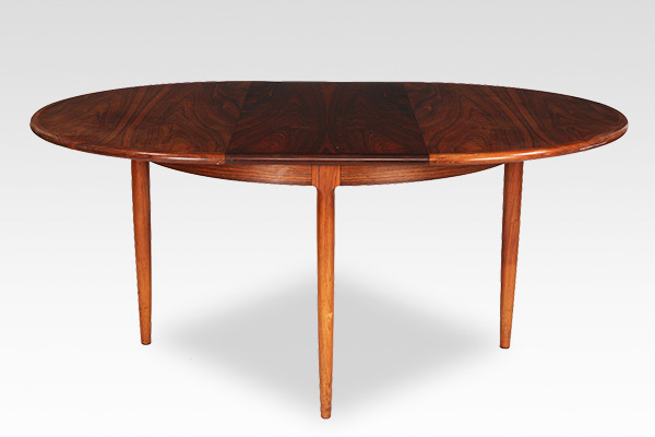 Niels O. Møller  Circular dining table rosewood  J.L. Møller (6).jpg