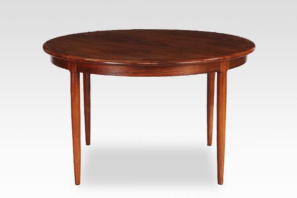 Niels O. Møller  Circular dining table rosewood  J.L. Møller (8).jpg