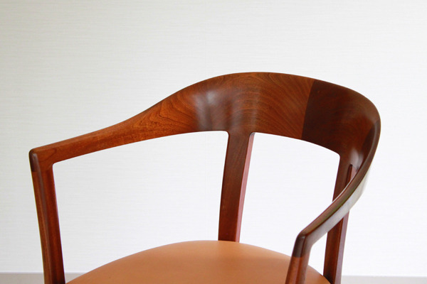 Ole-Wanscher--Armchair.-Mahogany--A.-J.-Iversen-02.jpg