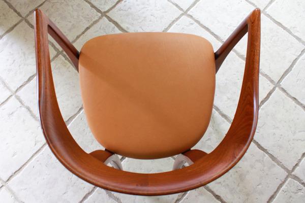 Ole-Wanscher--Armchair.-Mahogany--A.-J.-Iversen-03.jpg