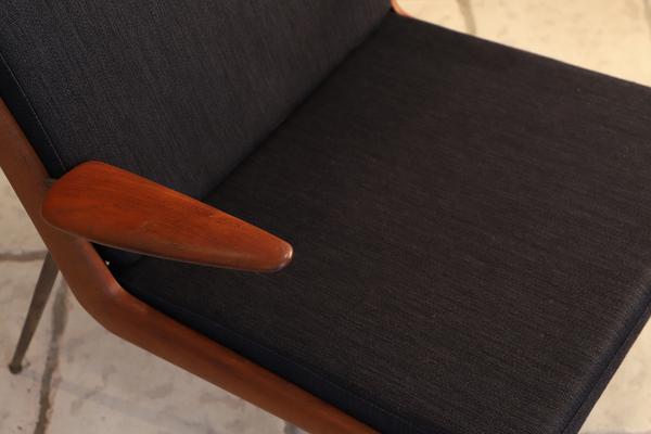 Peter Hvidt & Orla Molgaard-Nielsen   Boomerang chair .FD135  France & Son (1).jpg