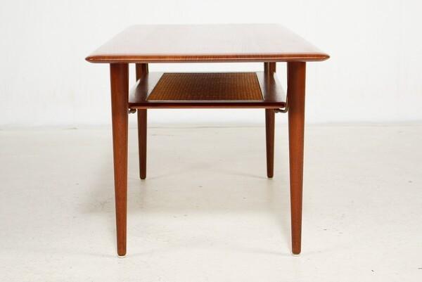 Peter Hvidt & Orla Molgaard-Nielsen  Coffee table (1).jpg