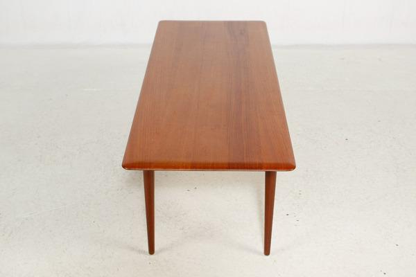 Peter Hvidt & Orla Molgaard-Nielsen  Coffee table (9).jpg