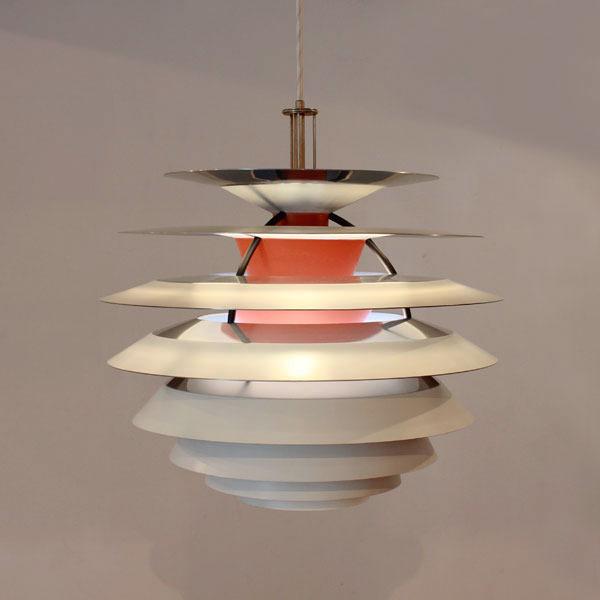 Poul-Henningsen-Contrast-lamp-02.jpg