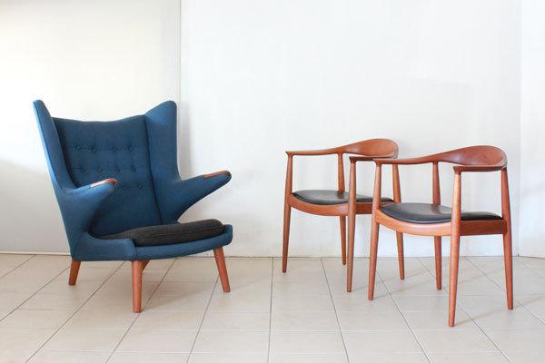 The-Chair-and-Bear-chair-01.jpg