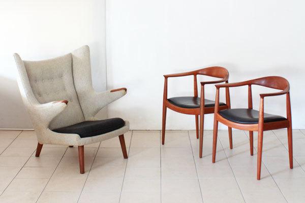 The-Chair-and-Bear-chair-02.jpg