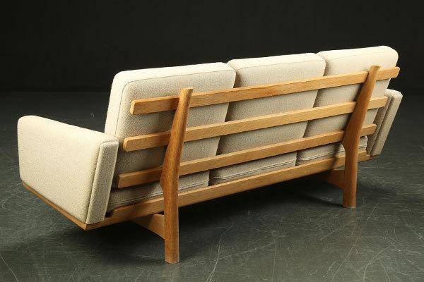 Wegner-3seater-sofa-GE236-03.jpg