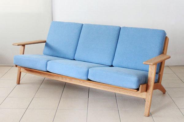 Wegner-3seater-sofa-GE290-01-thumbnail2.jpg