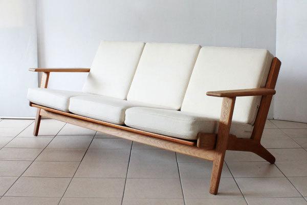 Wegner-3seater-sofa-GE290-01-thumbnail2 (1).jpg