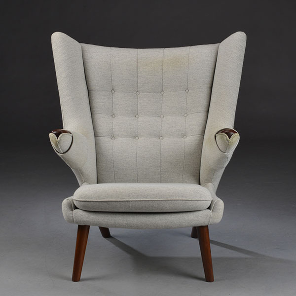 Wegner-Bearchair-and-ottoman-02-t0203.jpg