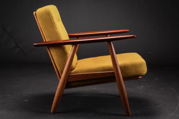 Wegner-Easy-chair-GE240-02.jpg