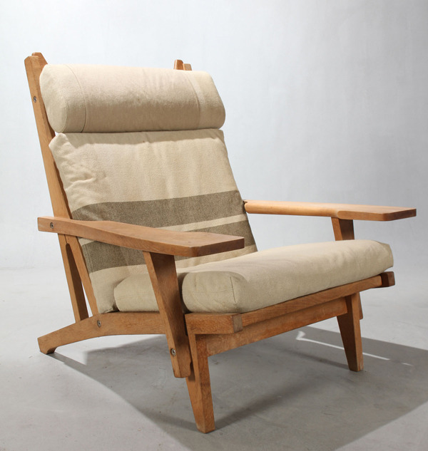Wegner-Easy-chair-GE375-01-thumbnail2-01.jpg