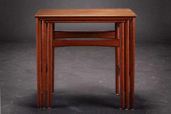 Wegner-Nesting-table-02.jpg