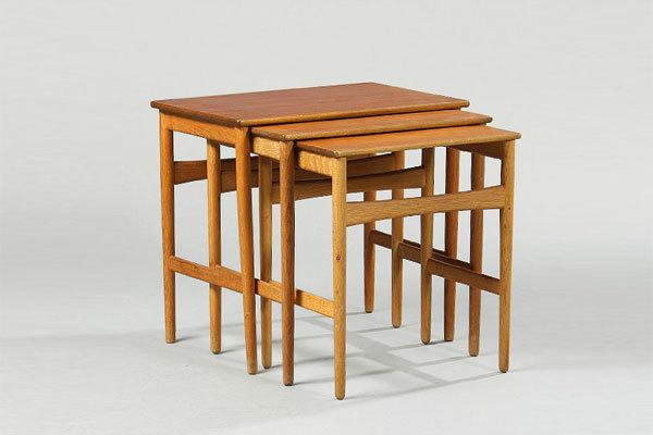 Wegner-Nesting-tables-teak-and-oak-01.jpg
