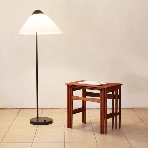 Wegner-Opala floor-lamp-02.jpg