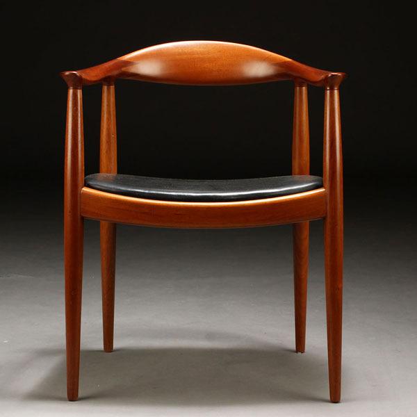 Wegner-The-chair-JH503-Mahogany-02.jpg