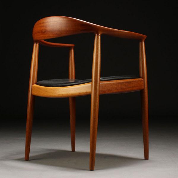 Wegner-The-chair-JH503-Mahogany-04.jpg